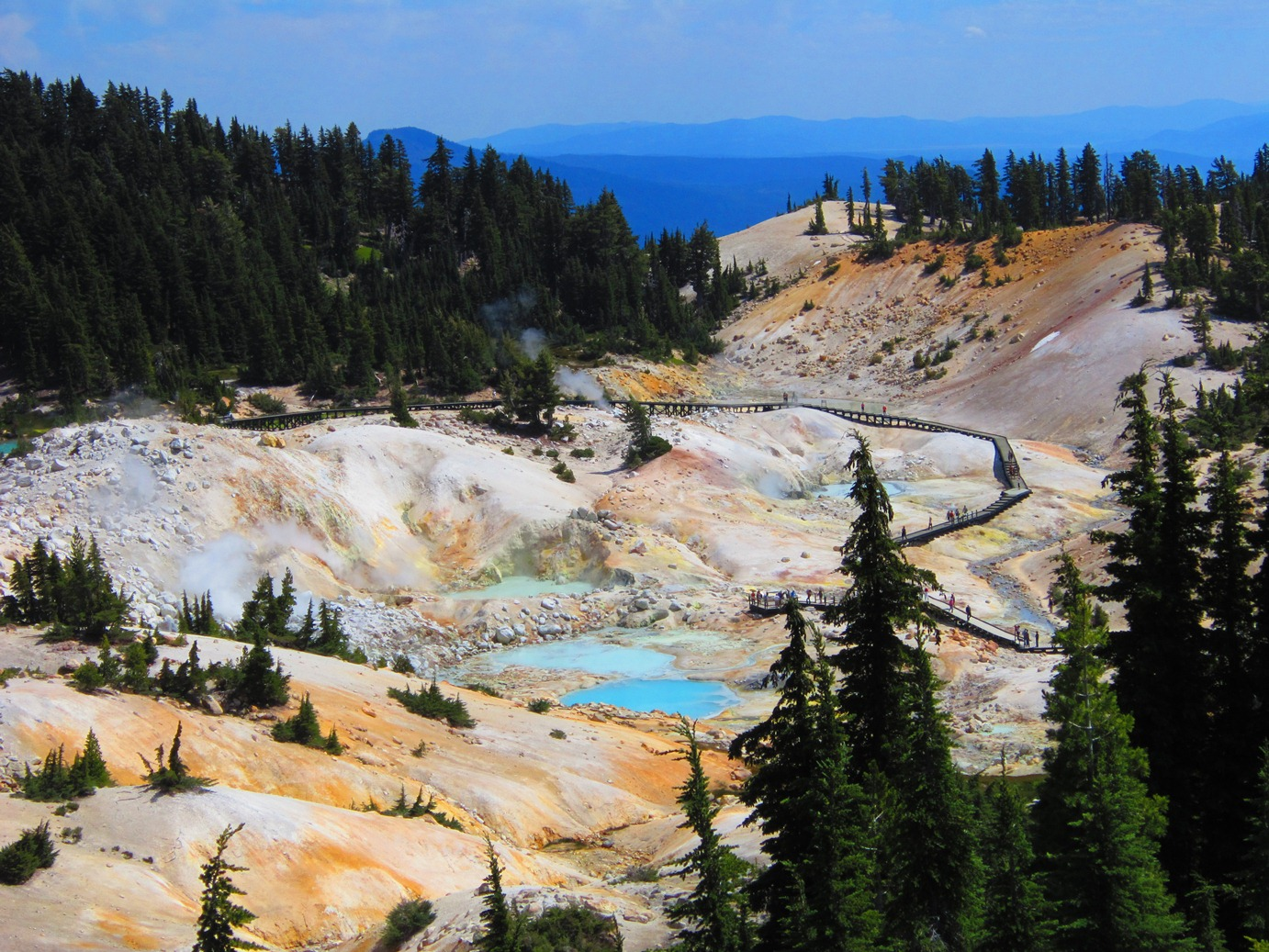Bumpass-hell-from-entrance